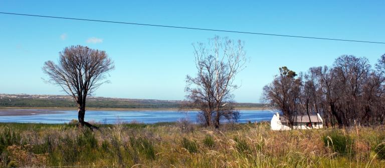 cottage on klein river estuary